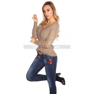 631365159b Női kötött pulóver V-nyakú, karján csipkés - cappuccino - catwalker