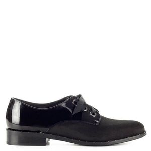 Fekete Lukasz fűzős női cipő kép