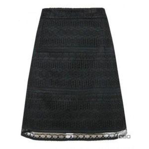 Fekete csipkés szoknya kép
