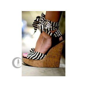 telitalpú nyári cipő kép