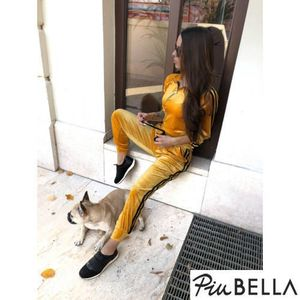 Lurex Set Mustard Yellow - Melegítő szett csíkkal az oldalán, nadrágja gumis derékkal megkötővel, felsője cipzáros kép