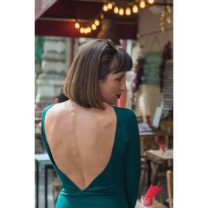 Zöld nyitott hátú szűk ruha kép