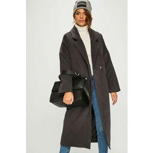 Review - Kabát kép