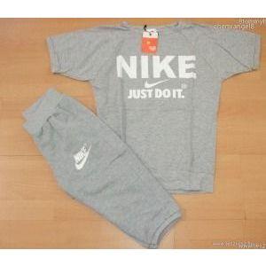 Nike együttes póló+térdnadrág S készletről kép