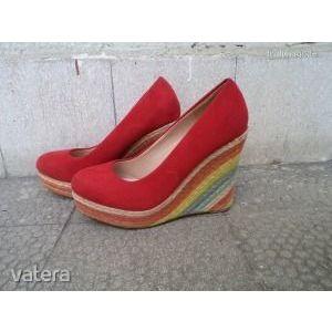 Piros női cipő kép