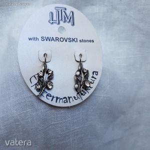 Egyedi, kézzel készített swarovski ékkövekkel díszített fülbevaló kép