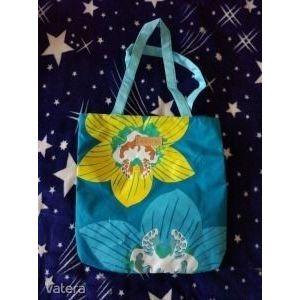Avon virágos kék strand táska kép