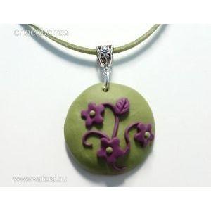 egyedi kézzel készült ékszerek kézműves ékszer Olíva zöld lila virágos nyaklánc kép