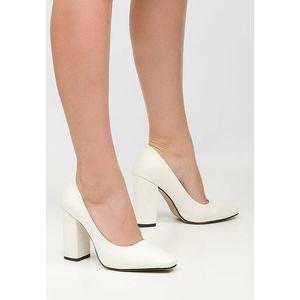 Sticker v2 fehér magassarkú cipők kép