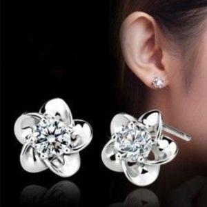 1 pár Divatos Ezüst színű virág mintás fülbevaló kép